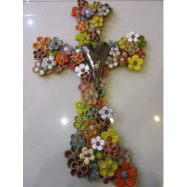 Keramika-Kríž zdobeny kvietkami Mihoková