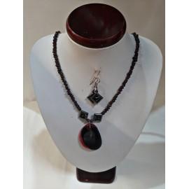 Granát, ónyx, achát - náhrdelník,náušnice