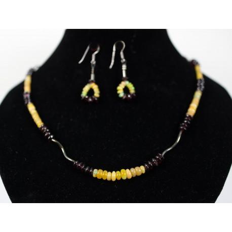 Etiópsky opál, granát - náhrdelník, náušnice