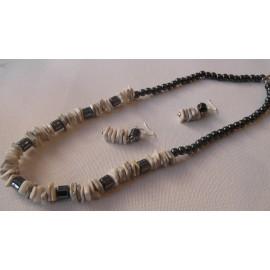 Hematit a mušľa morská - náhrdelník a náušnice