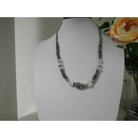 Labradorit- náhrdelník, náramok, náušnice