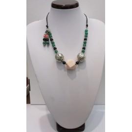 a0691dc06 Náhrdelník a náušnice-z ružového koralu a zeleného jadeitu